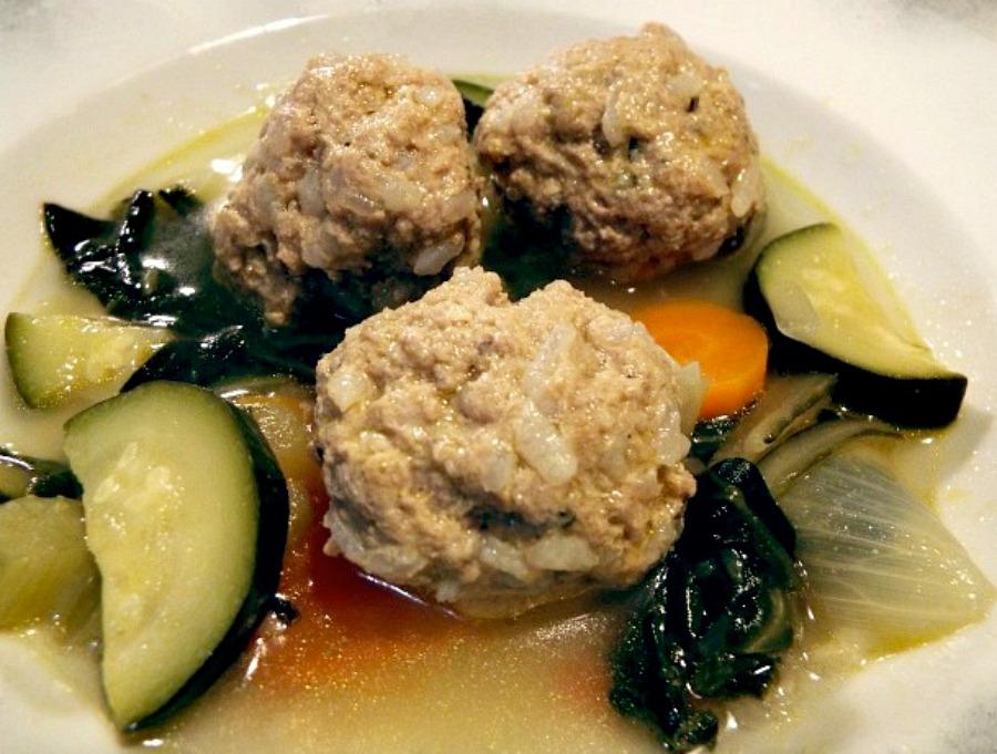 Polpette di carne e riso con verdure in umido