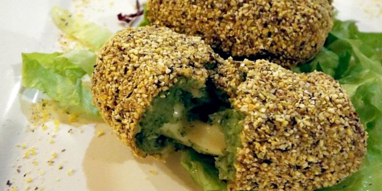 Crocchette di broccoli provola affumicata panate nella polenta