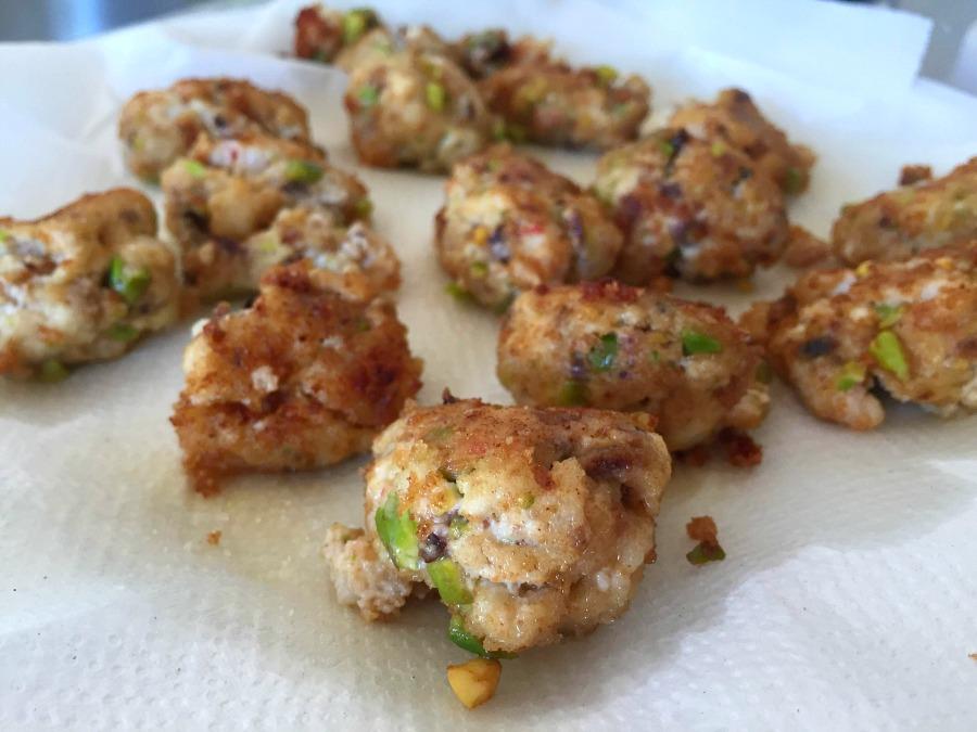 Polpettine di ricotta, gamberone, pistacchio, trito di scorza di limone e bottarga di tonno