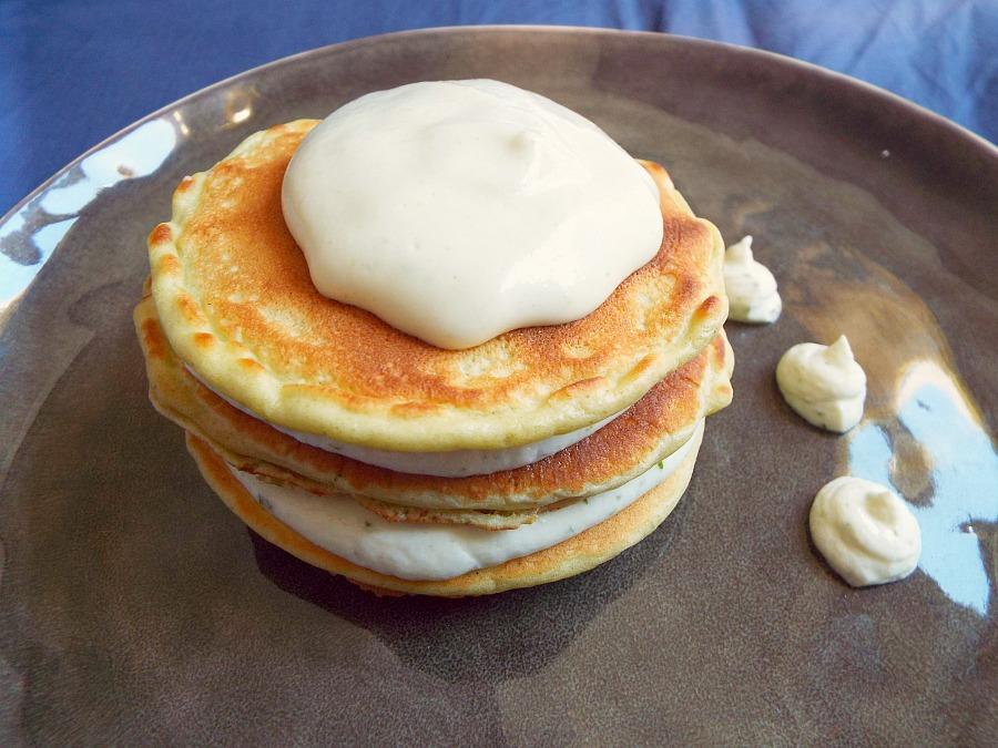 pancake al fieno greco, mousse di Robiola di Roccaverano DOP al basilico e zenzero, spuma di risotto alle fave