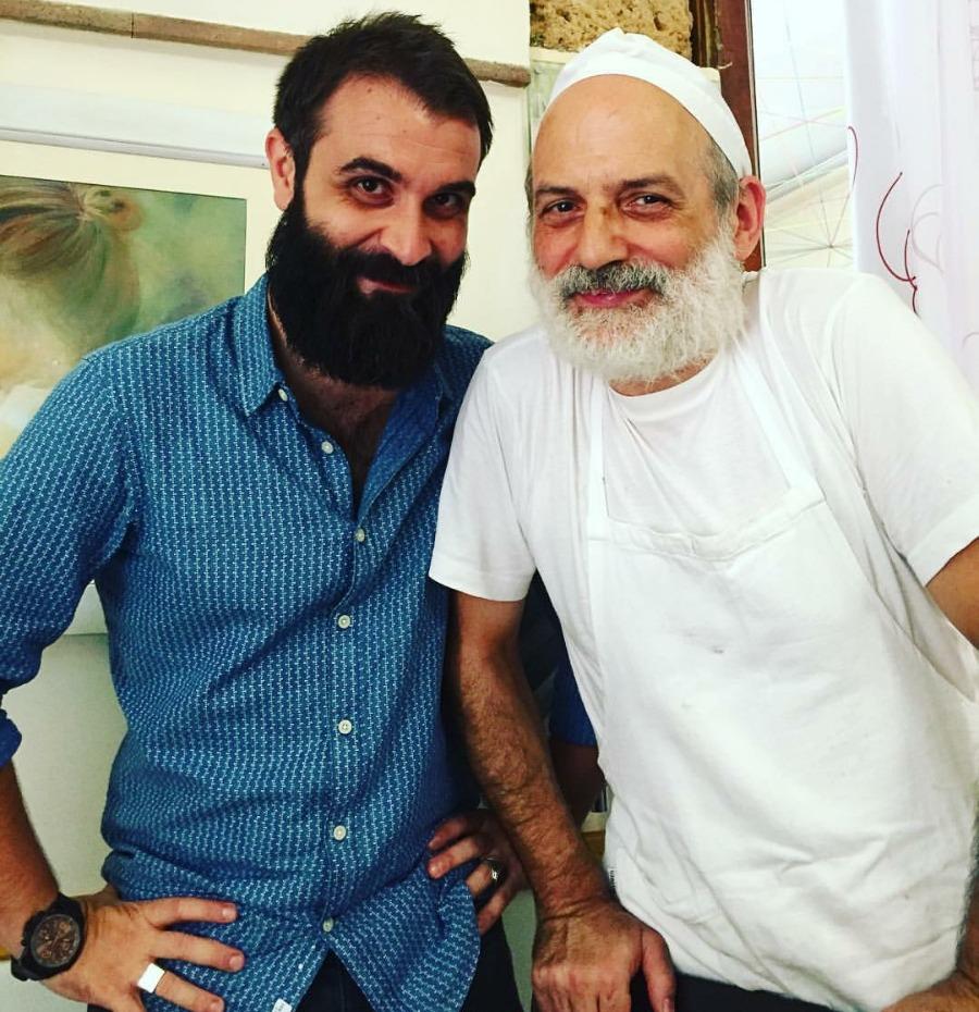Col maestro Corrado Assenza potrei avere qualche legame di barba