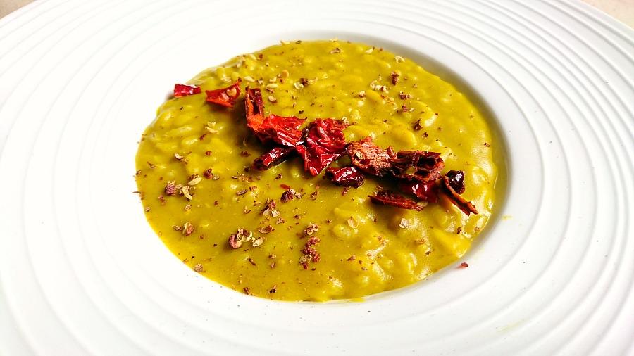 Risotto con zucca, Pannerone di Lodi, peperone crusco, pepe di Sichuan